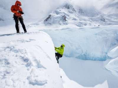 Guided crevasse rescue techniques